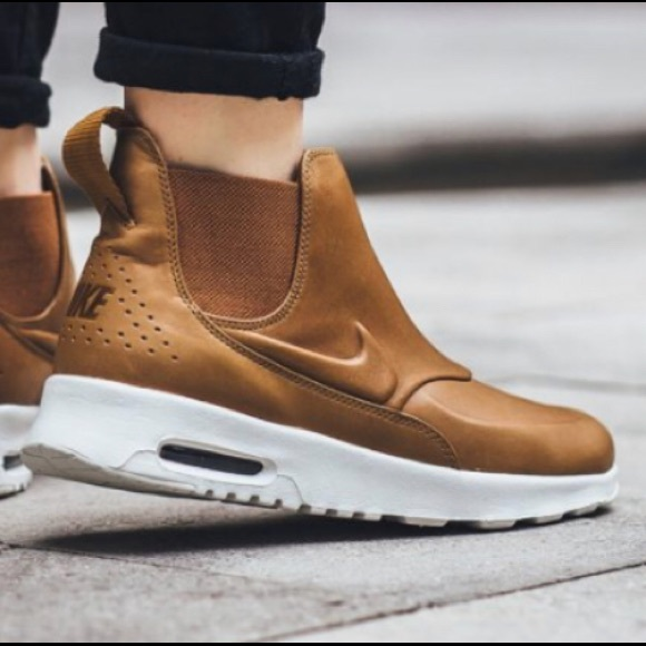 Nike Air Max Mid Thea Boot